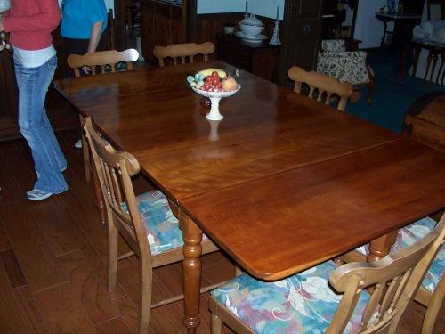 101_0003Cherry Table
